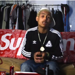 Complex's releases 'Sold Out: The Underground Economy of Supreme Resellers' (Trailer)